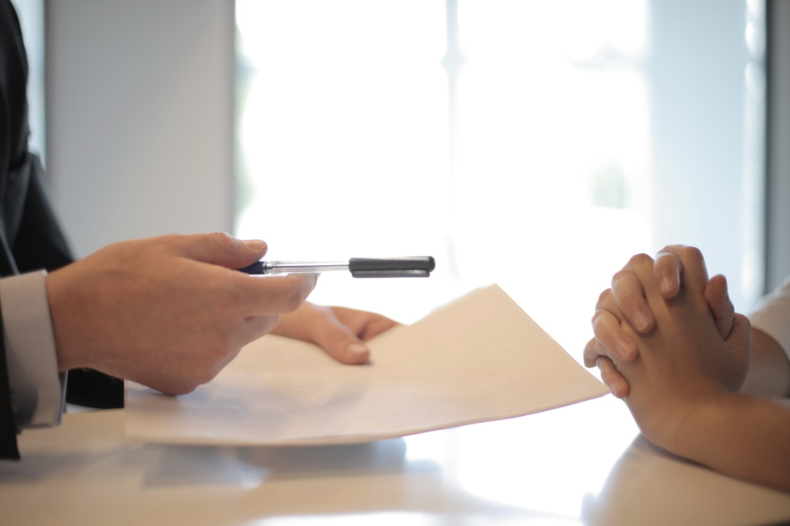 Talking to Life Insurance Experts – How to Prepare Effectively for Your First Visit